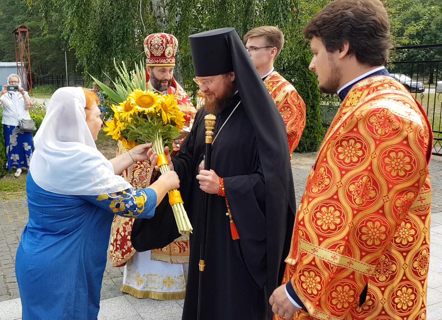 Зустріч єпископа Переяслав-Хмельницького Діонісія в Свято-Іллінському Храмі в м. Славутич
